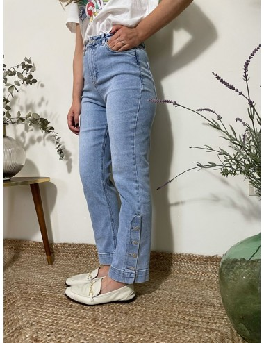 JEANS MOM FIT BOTONES